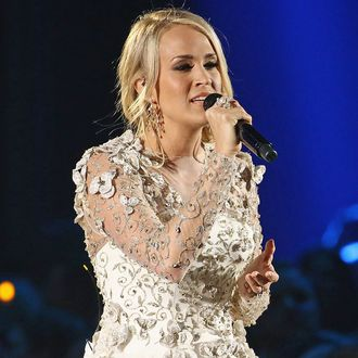 Carrie Underwood Returns To The Spotlight With A Classic Carrie Power Ballad