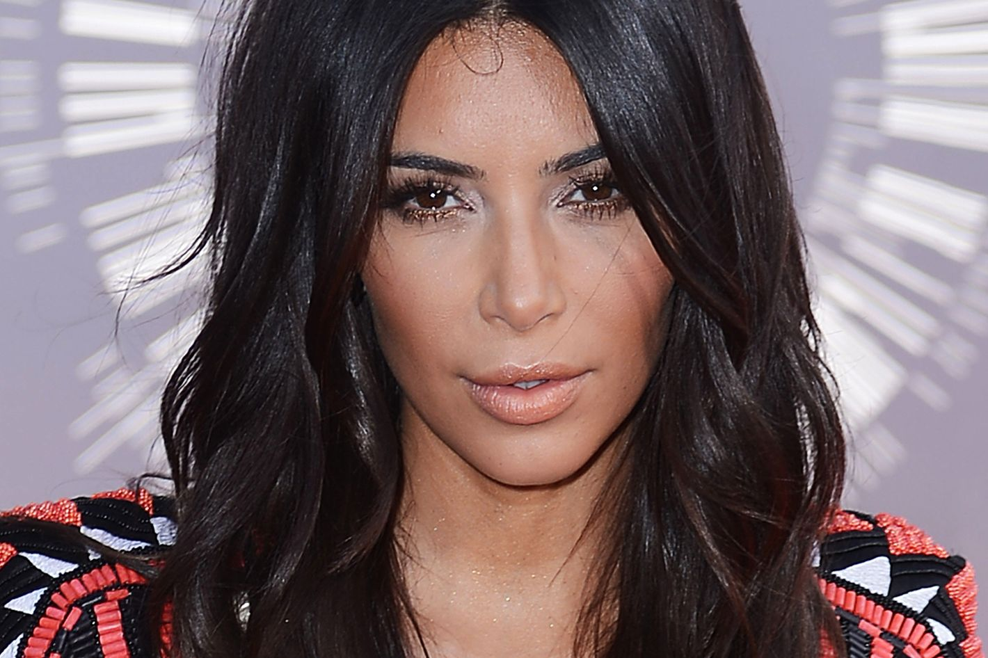 c84d59c9bb011 How to Get Soft Waves Like Kim Kardashian