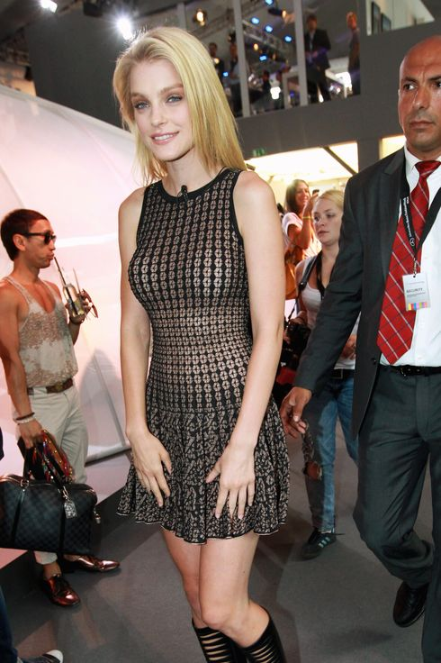 Yes Jessica Stam S Dress Is Pretty See Through The Cut