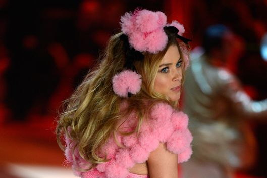 Dutch model Doutzen Kroes models fashion in the 2012 Victoria's Secret fashion show November 7, 2012 in New York.