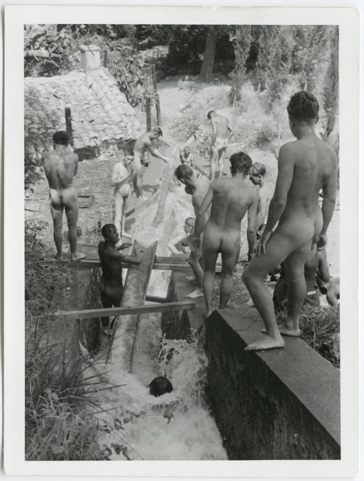 shower group nude