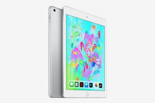 Apple iPad (6th Gen) 128GB Wi-Fi - Silver