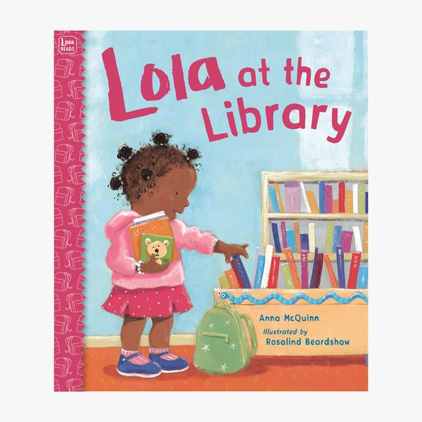 Lola at the Library by Anna McQuinn, illust. Rosalind Beardshaw