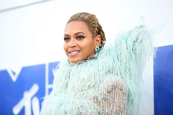 Our Quest to Meet Beyoncé at the VMAs