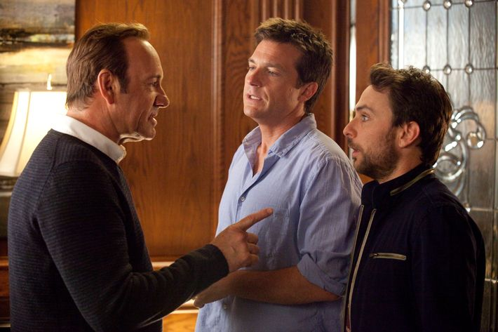 """HB-09339 (L-r) KEVIN SPACEY as Dave Harken, JASON BATEMAN as Nick and CHARLIE DAY as Dale in New Line Cinema's comedy """"HORRIBLE BOSSES,"""" a Warner Bros. Pictures release."""