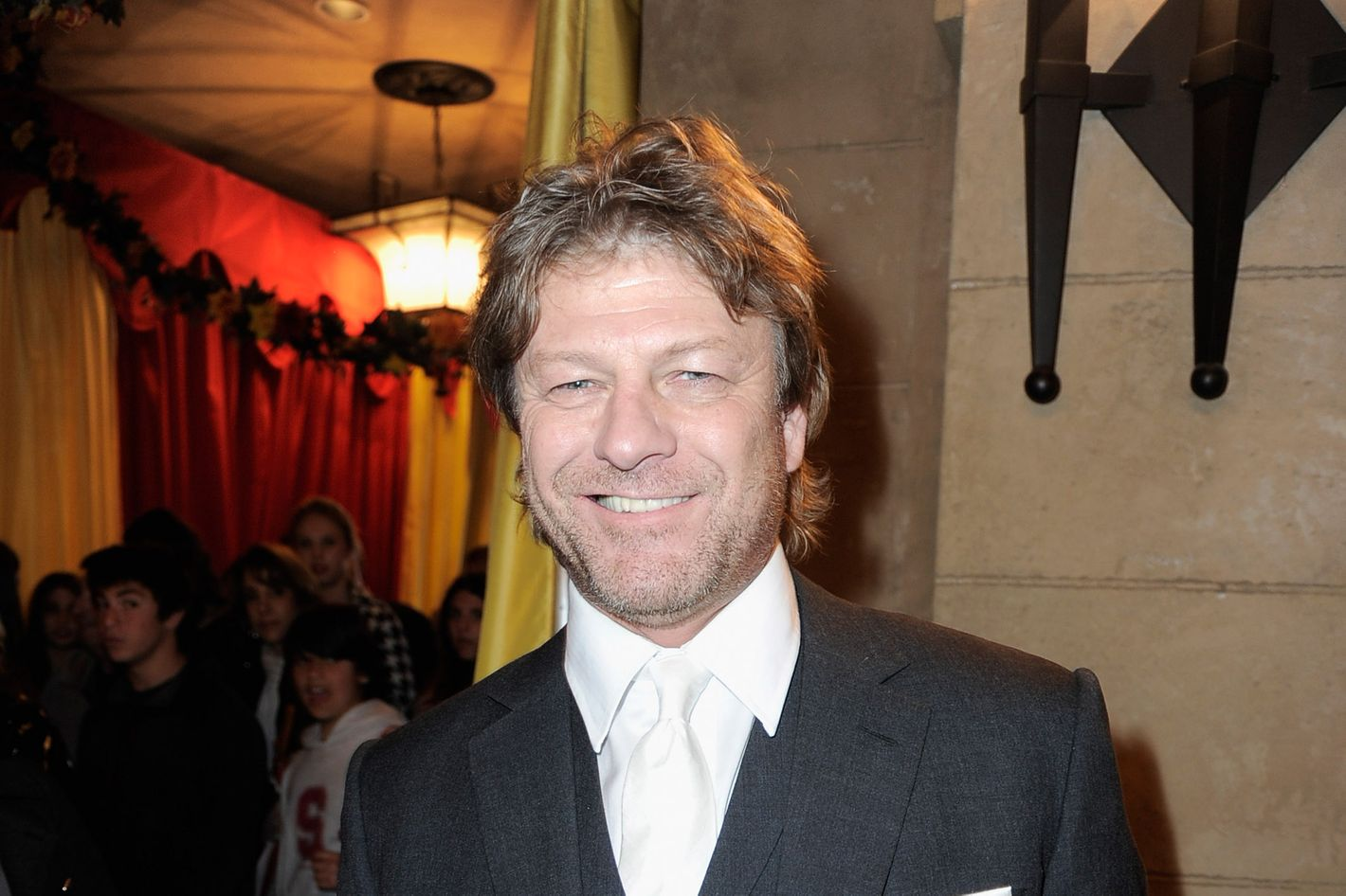 Sean Bean admitted that he likes to watch videos, which are collected in his death in the cinema 05.11.2015 76