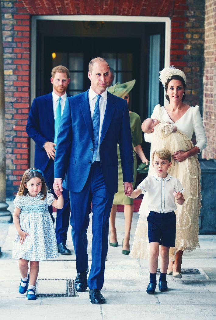 Princess Charlotte, Prince William, Prince George, Kate Middleton and Prince Louis.