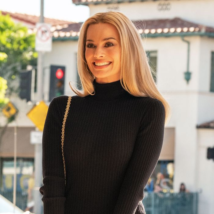 margot robbie sharon tate once upon a time in hollywood