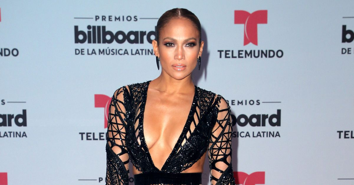 Jennifer Lopez's Red Carpet Look Was Fire at the 2017 Billboard Latin Music Awards