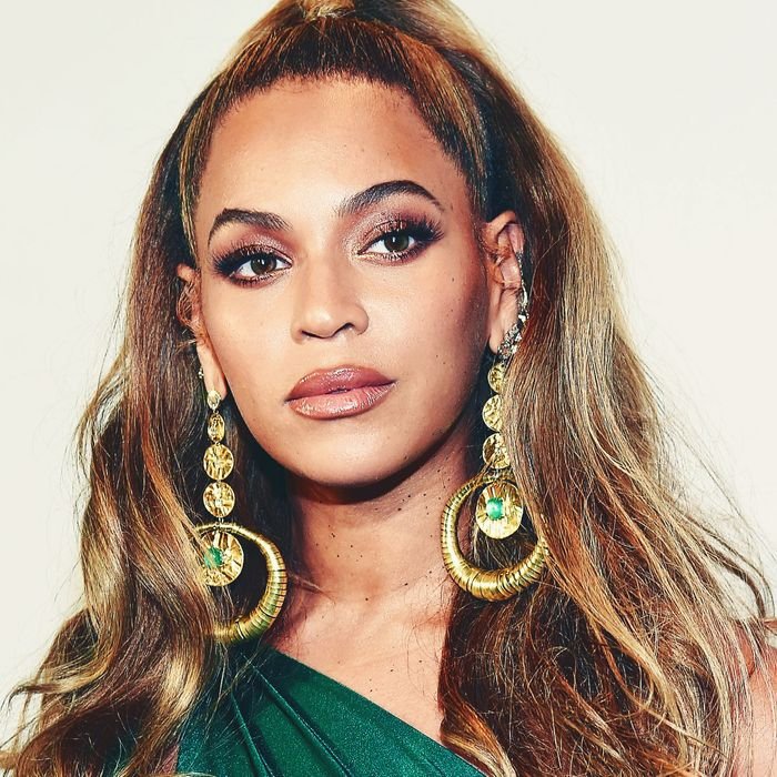 af1b20583edb5 Beyoncé Opens Up About Her Difficult Pregnancy and Emergency C-Section