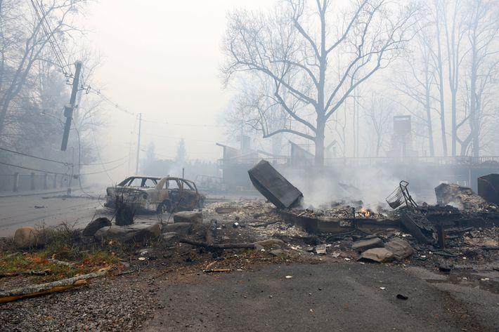 A Structure And Vehicle Are Damaged From The Wildfires Around Gatlinburg Tennessee On Tuesday November 29 2016 Photo Michael Patrick Knoxville News