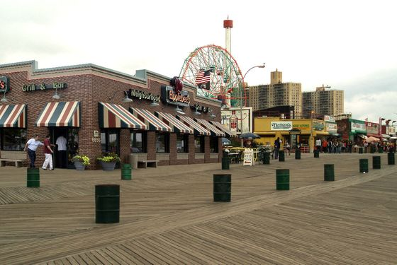 Coney Island Applebee's: not coming to the boardwalk, but close enough.