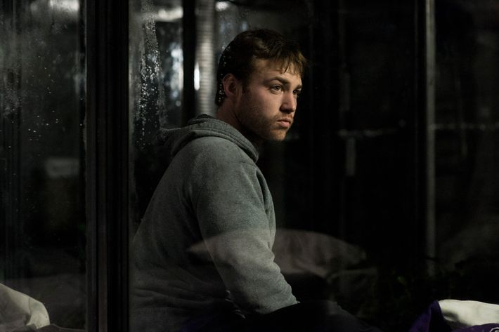 Emory Cohen as Homer.