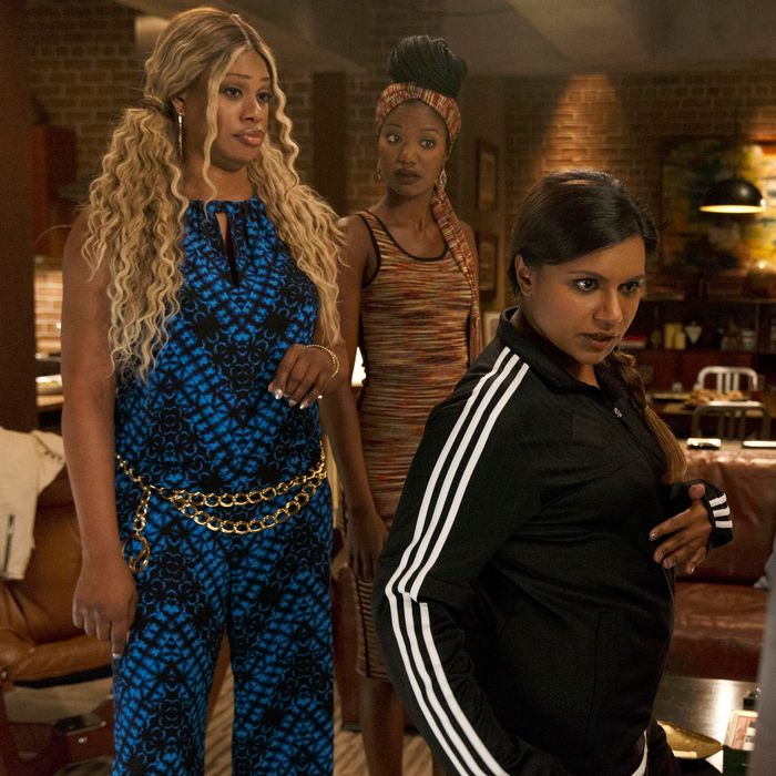 THE MINDY PROJECT: Tamra's (Xosha Roquemore, C) cousin Sheena (guest star Laverne Cox, L), coaches Mindy (Mindy Kaling, R) on her new look in the