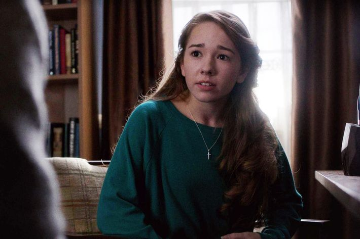 "THE AMERICANS -- ""Glanders"" (Airs, Wednesday, March 16, 10:00 pm/ep) -- Pictured: Holly Taylor as Paige Jennings. CR: FX"