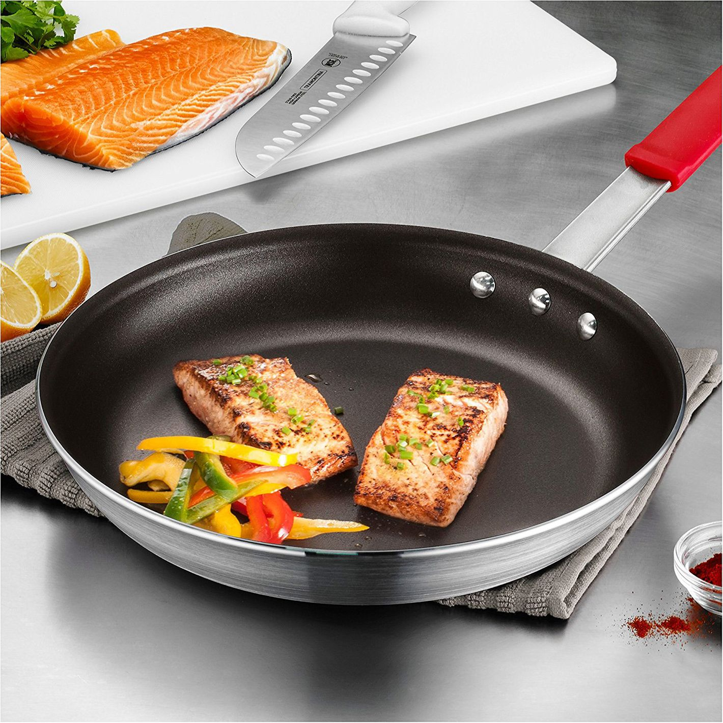 "Tramontina Professional Aluminum Nonstick Restaurant Fry Pan, 12"", Made in USA"