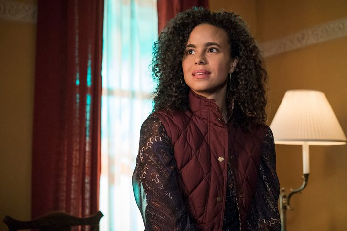 Parisa Fitz-Henley as Reva Connors.