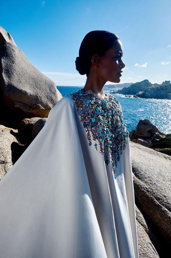 The book <i>India Fantastique Fashion</i> traces Abu Jani and Sandeep Khosla's designs.
