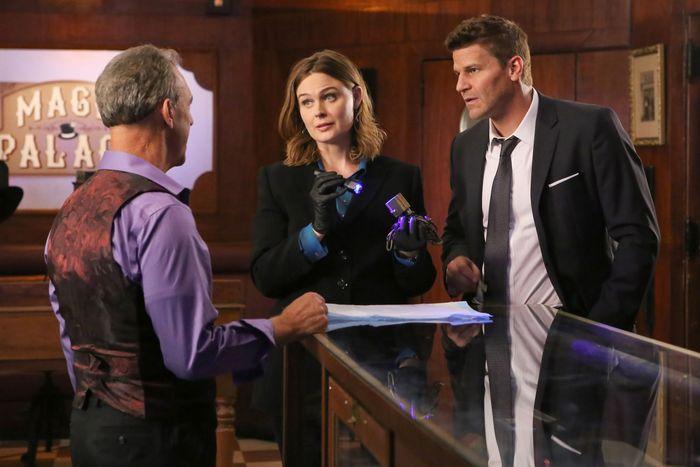 Emily Deschanel and David Boreanaz in Bones.