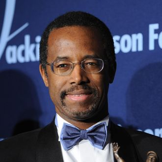 Dr. Ben Carson Sr. receives the ROBIE Lifetime Achievement Award