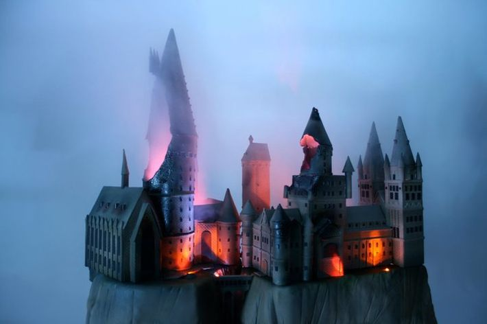 Hogwarts, in cake form.