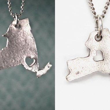 Koerner's pendant (left) and Urban's alleged knockoff.