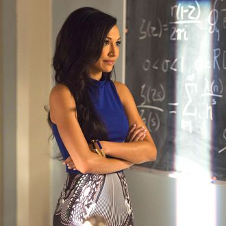 "GLEE: Santana (Naya Rivera) returns to McKinley High in the ""100"" episode of GLEE airing Tuesday, March 18 (8:00-9:00 PM ET/PT) on FOX. ©2014 Fox Broadcasting Co. CR: Adam Rose/FOX"