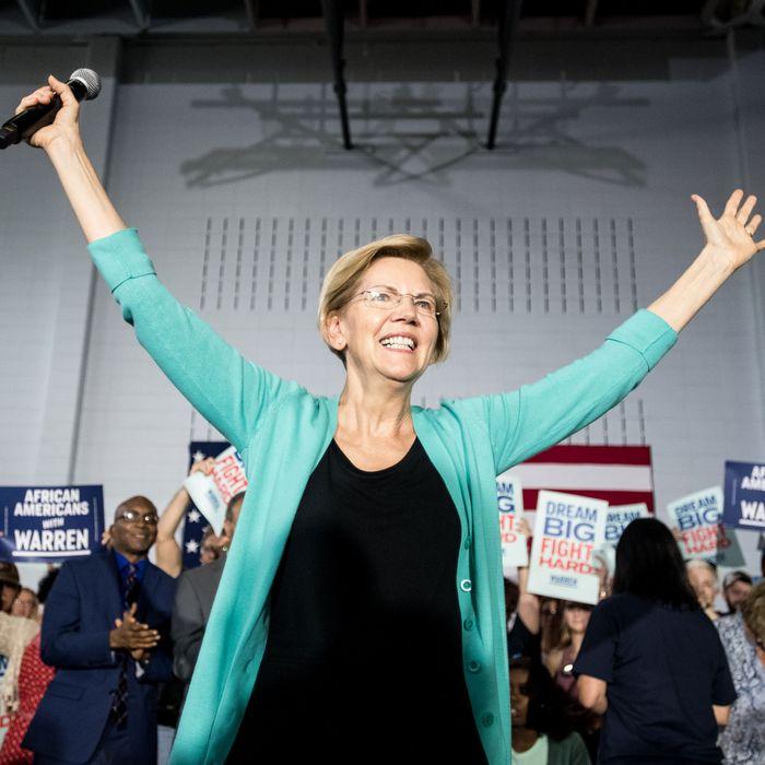 In Tweet, Elizabeth Warren Owns Jacob Wohl, Affirms Cougars