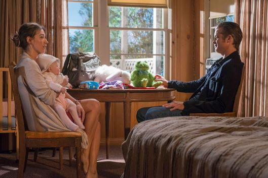 "JUSTIFIED -- ""The Hunt"" -- Episode 607 (Airs Tuesday, March 3, 10:00 pm e/p) -- Pictured: (L-R) Natalie Zea as Winona Hawkins, Timothy Olyphant as Deputy U.S. Marshal Raylan Givens -- CR: Prashant Gupta/FX"