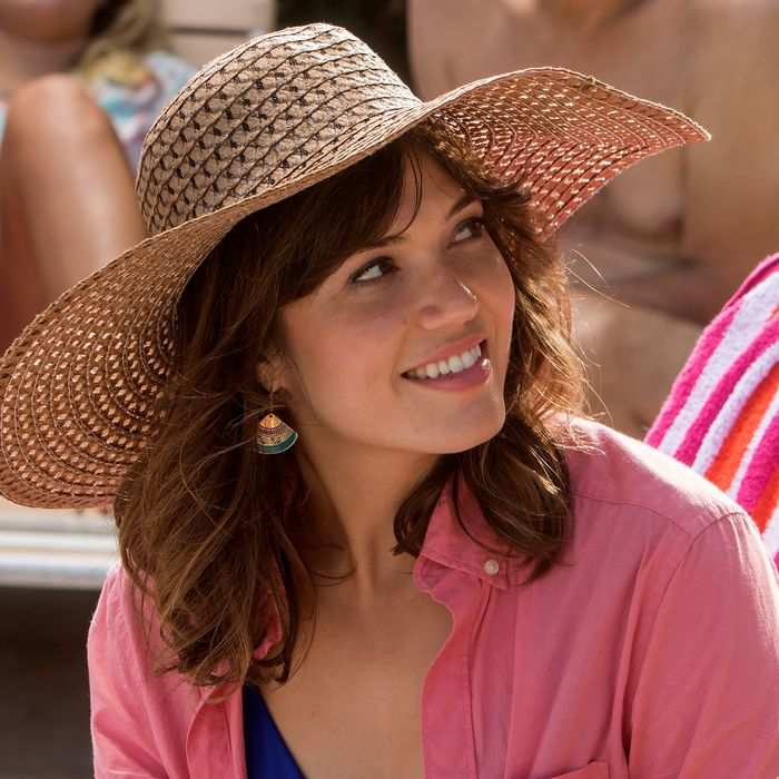 Mandy Moore's Glorious Hats on NBC's 'This Is Us': An Ode