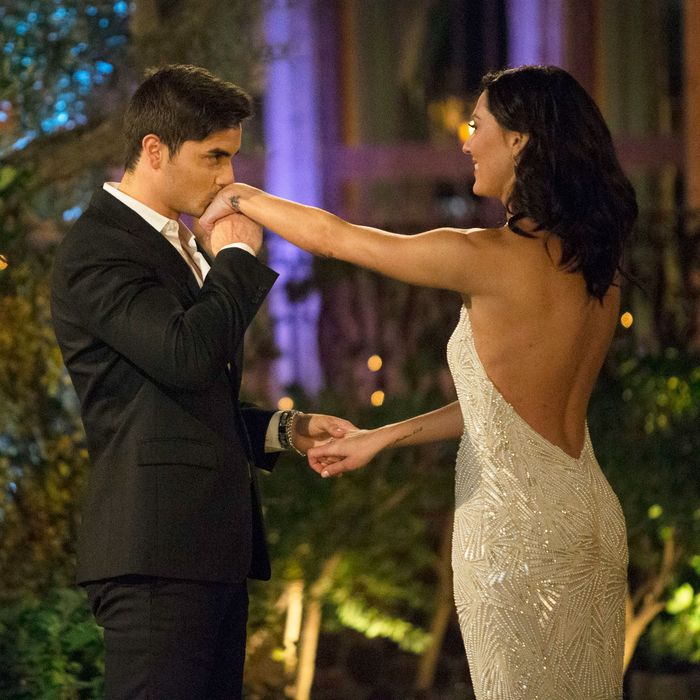 The Bachelorette\' Premiere\'s Most Absurd Entrances