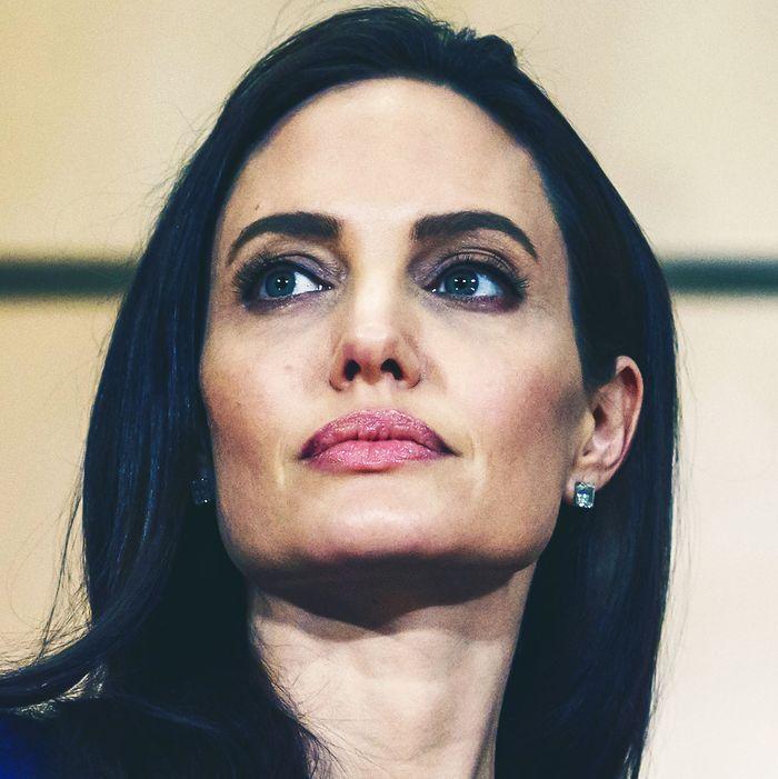 Angelina jolei nude photo