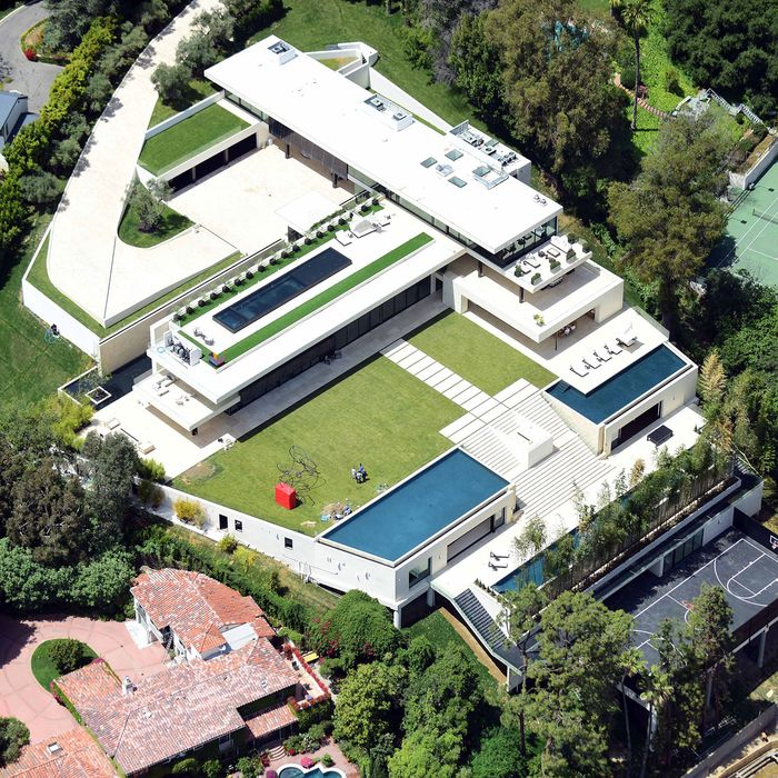 Jay Z And Beyonce Reportedly Purchase 90 Million Mansion