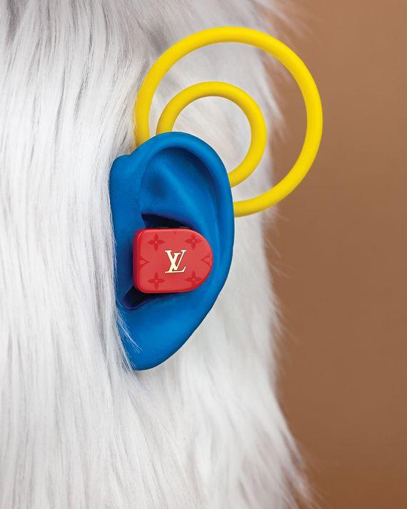 5db030895589 Louis Vuitton s Horizon Monogram Earphones