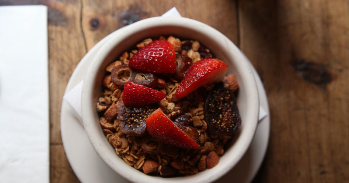 How to Make the Smile's Glorious, Beloved Granola