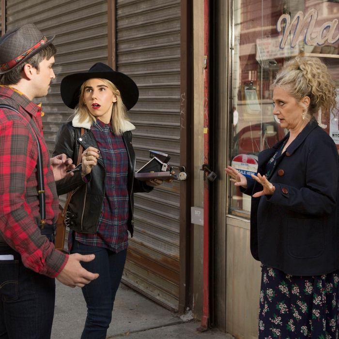 Evan Jonigkeit as Bob, Zosia Mamet as Sue, Carol Kane as Lillian.
