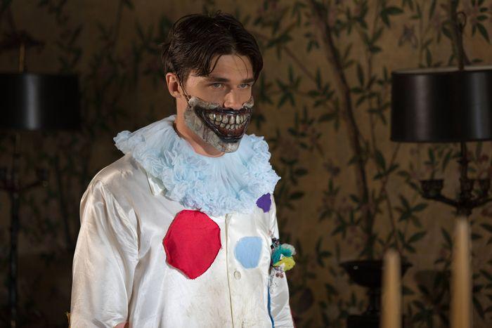 Finn Wittrock in AHS: Freak Show.