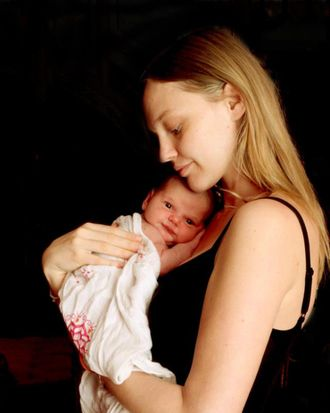 Sasha Pivovarova and little Mia Isis.