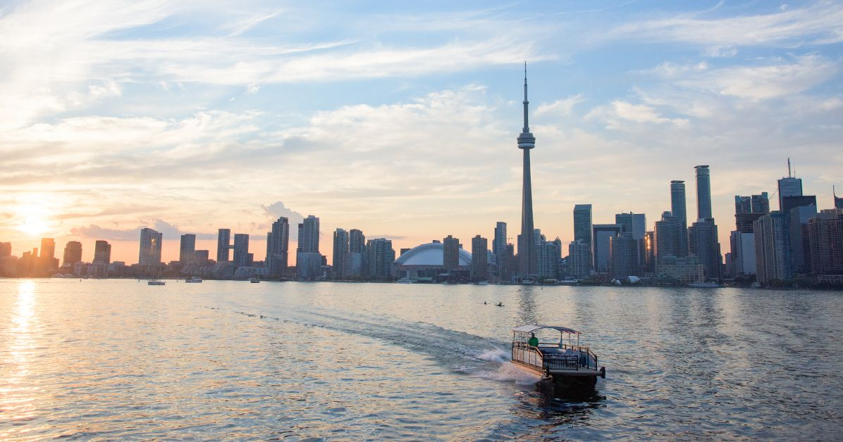 The Best Things to See, Eat, and Do in Toronto