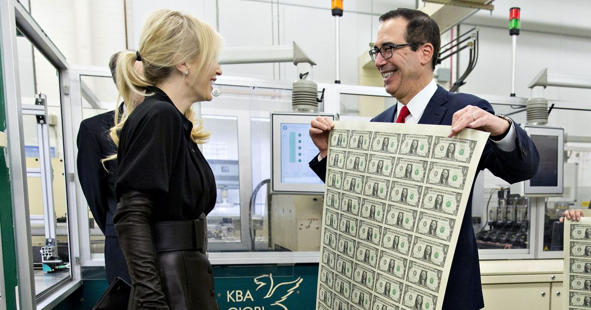 15 mnuchin linton money.w1200.h630 steve mnuchin and louise linton hold money in new meme
