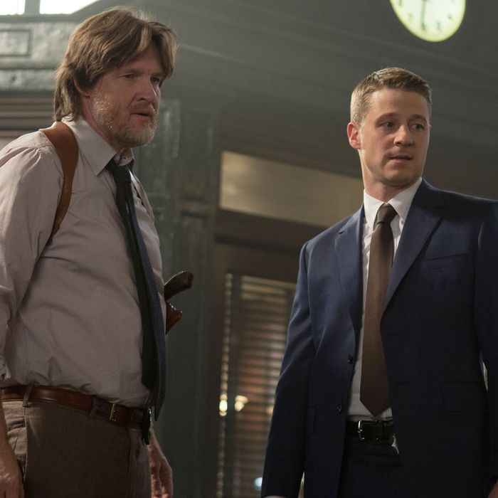 GOTHAM: Detectives James Gordon (Ben McKenzie, R) and Harvey Bullock (Donal Logue, L) address corruption within the GCPD in the