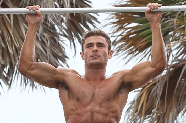 How Zac Efron Got Those Muscles For Baywatch