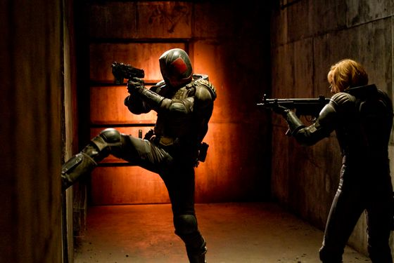Judge Dredd (Karl Urban) and Anderson (Olivia Thirlby) in DREDD 3D.