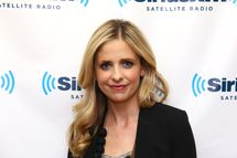 NEW YORK, NY - FEBRUARY 07:  Actress Sarah Michelle Gellar visits the SiriusXM Studios on February 7, 2012 in New York City.  (Photo by Neilson Barnard/Getty Images)