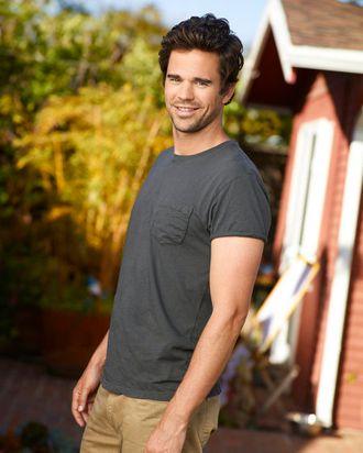 BENT -- Season 1 -- Pictured: David Walton as Pete
