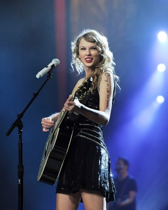 NEW YORK, NY - NOVEMBER 22: Taylor Swift performs onstage during the