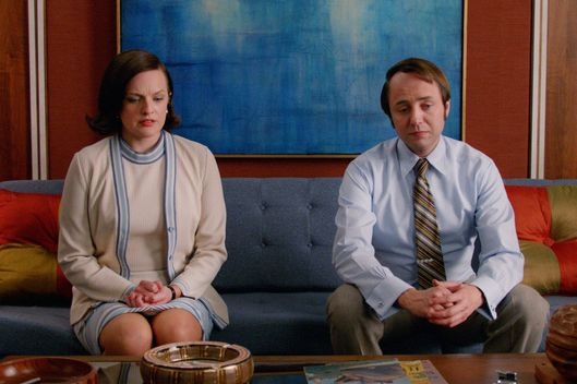 Elisabeth Moss as Peggy Olson and Vincent Kartheiser as Pete Campbell - Mad Men _ Season 7B, Episode 11 - Photo Credit: Courtesy of AMC