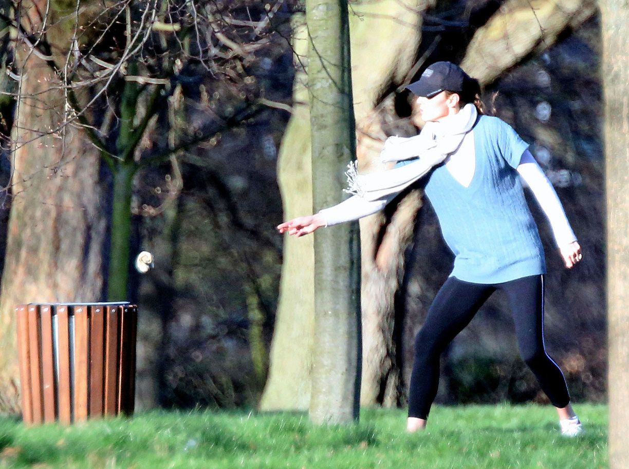 Kate Middleton picking up poop