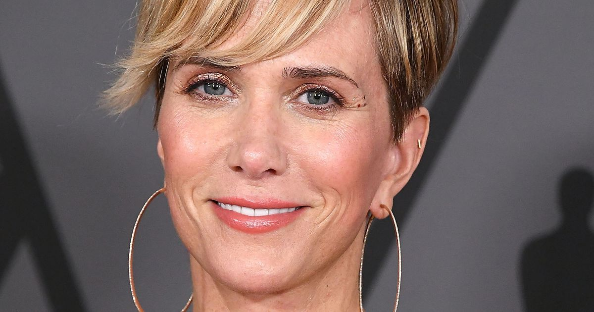 Kristen Wiig Hopes You Will Join The Barb and Star Go to Vista Del Mar Vacation Blowout