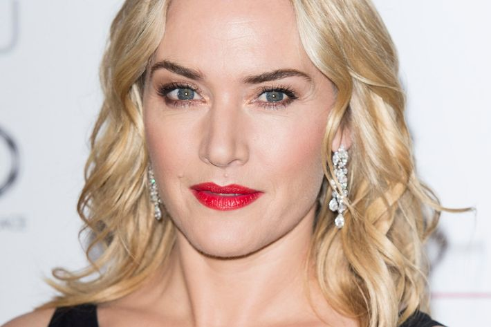 Embarrassing mom Kate Winslet.